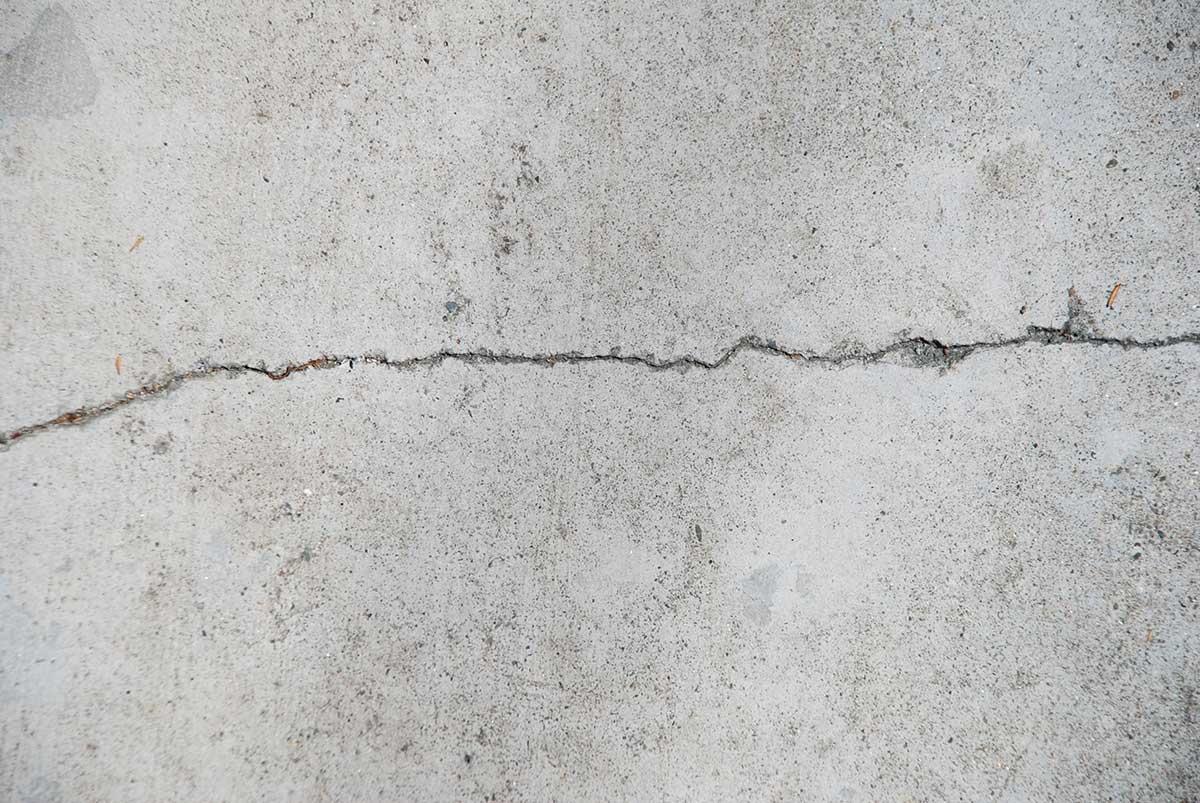 täta sprickor i betonggolv